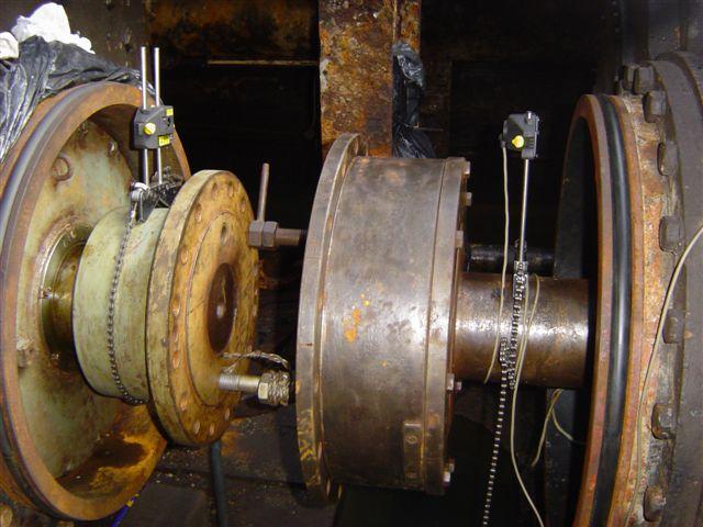 Alignment between pump and motor for Pump motor shaft alignment tools
